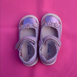 Pink Mary Jane girl shoes